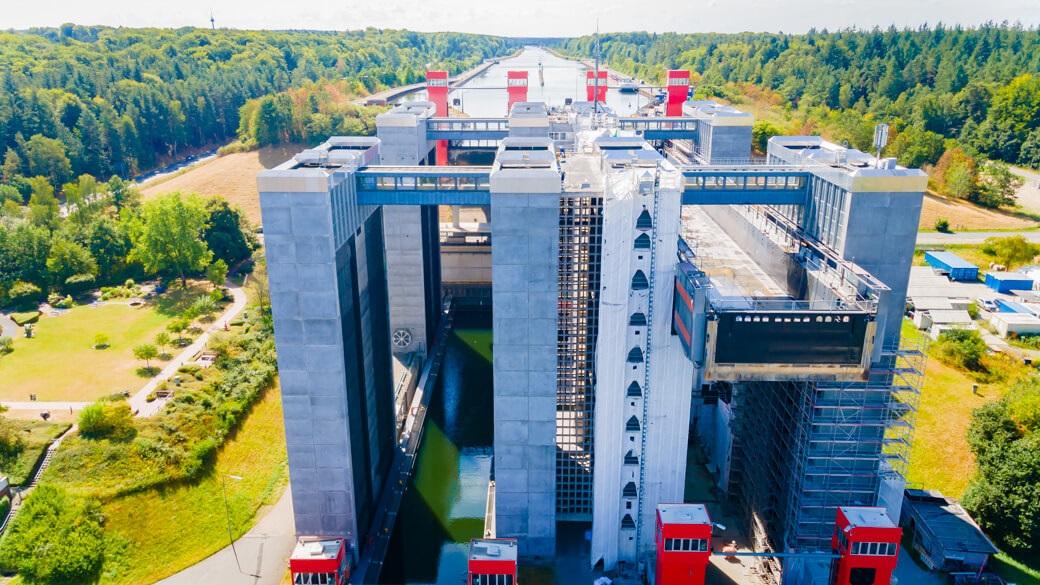 Schiffshebewerk Scharnebeck Durchfahrt